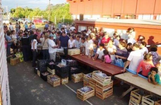 """""""Frutas y Verduras para Todos"""" vendió 8.000 kilos en Bella Vista"""