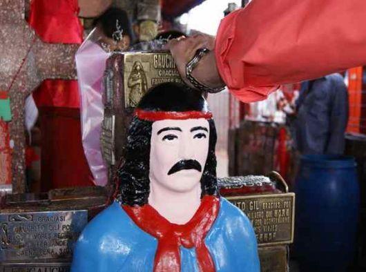 """Devoción al Gaucho Gil """"es un icono que nos une con la religión"""" Julián Zini"""