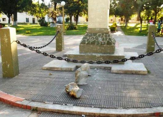 9 de Julio: vándalos destrozaron el monumento de San Martín