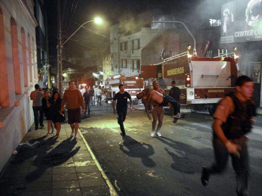 Tragedia en Brasil: más de 180 muertos en incendio de una discoteca