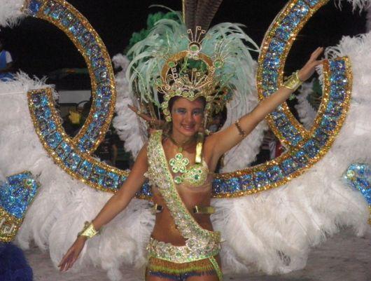 Esta noche Bella Vista elige su reina del carnaval