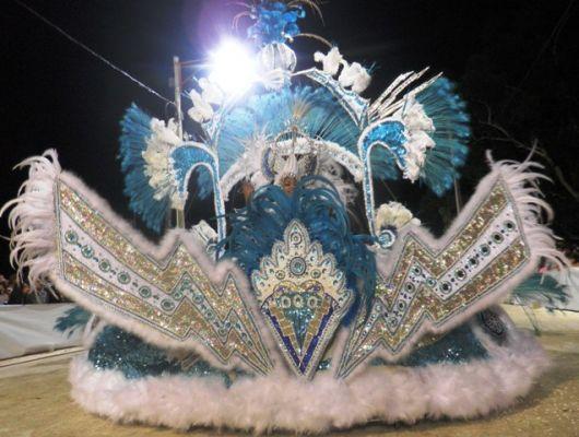 Chorearon el mejor traje del carnaval
