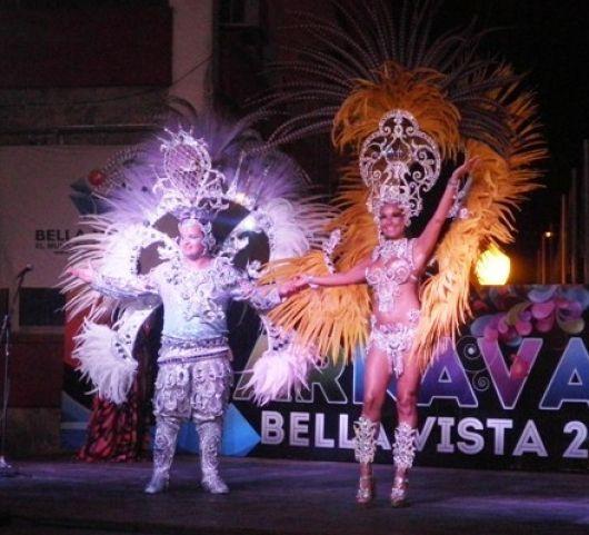Por robo, los mejores trajes del carnaval para Anahí