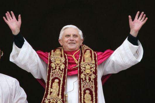 """Renunció el Papa Benedicto XVI """"por falta de fuerzas"""""""