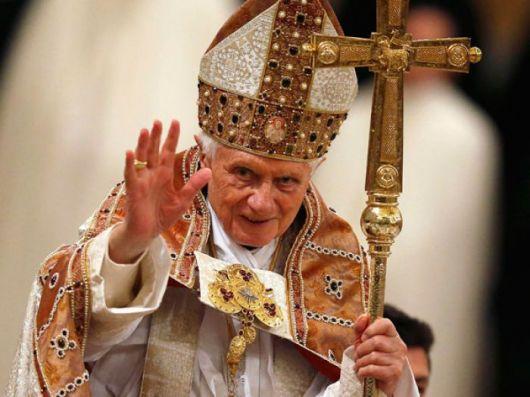 """Benedicto XVI dijo que estará """"oculto al mundo"""""""