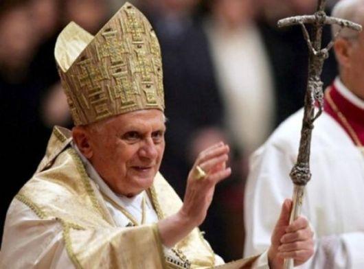 Benedicto XVI se despide de sus fieles