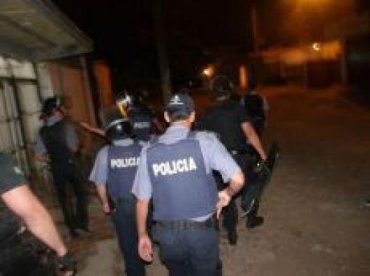 Pueblada vecinal luego de muerte de un detenido en la Comisaría 7ma
