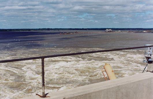 Intendente de Ituzaingó niega riesgo alguno en represa de Yacyretá