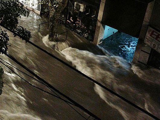 Ya son 6 los muertos por el temporal en Buenos Aires