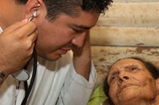 La Provincia dice que Nación suspendió el Programa de Médicos comunitarios en Corrientes