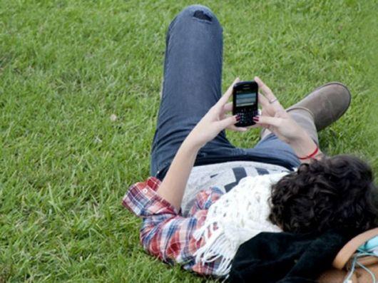 """Compró un celular """"nuevo"""" y encontró datos de un dueño anterior"""