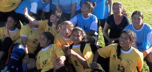 Futbol femenino en la tarde del domingo