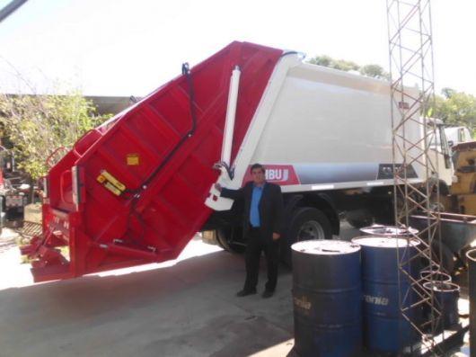 Llega el camión compactador de residuos adquirido por la Municipalidad de Santa Rosa