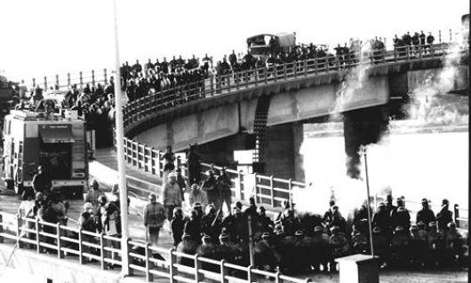 Hace 40 años el puente cruza majestuoso el río Paraná