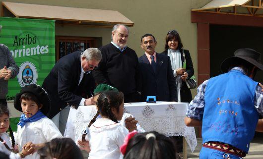 Colombi entregó 50 viviendas en Bella Vista