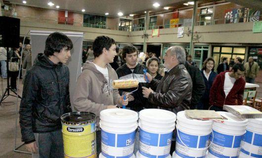 Subsidios y visitas a distintas instituciones