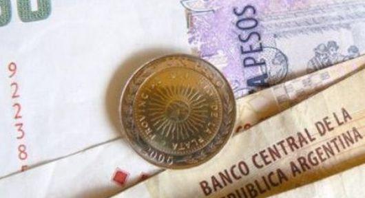 Sueldos: hoy empiezan a cobrar estatales provinciales