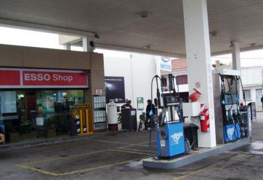 Esso aplicó incrementos en los precios de sus combustibles y también llegó al tope de valores