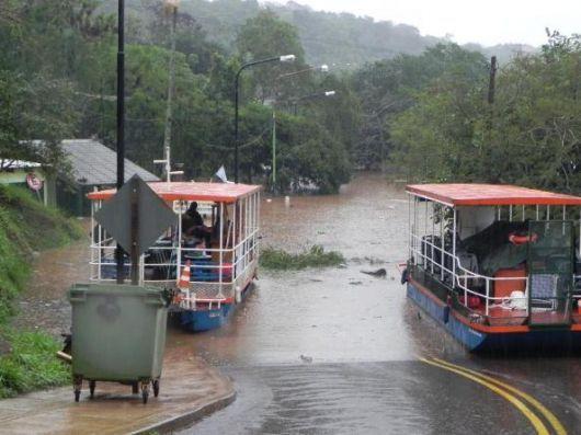 En Misiones, se cortó la ruta 12 por la creciente del río