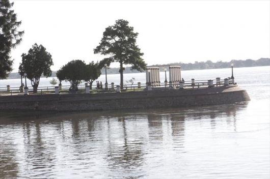 Anuncio de lluvias en las altas cuencas enciende señal de alerta en puerto local