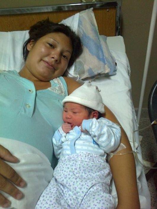 Airana Yoselin Cardozo el primer nacimiento del 2014
