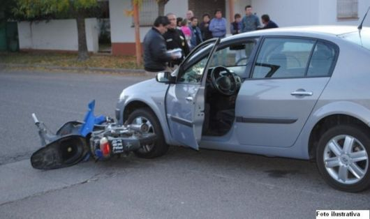 Goya:Motociclista de 17 años chocó contra un auto y murió