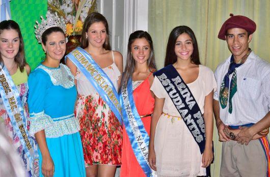 La Reina de la Naranja en la presentación de la Bailanta Chamamecera