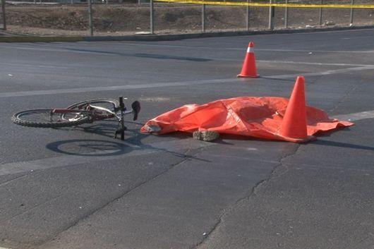 Falleció joven ciclista al ser arrollado por un auto en acceso a Goya
