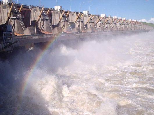 Advierten el desmoronamiento de un muro de contención en Yacyretá