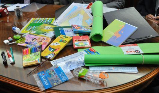 Corrientes lanzó la canasta escolar a un costo de $286