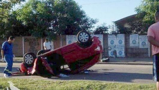 Peatón muere aplastado por vehículo que choca contra otro en Independencia y Medrano