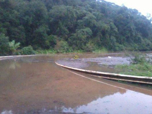La crecida del Paraná dejó aislados a varios pueblos en Misiones