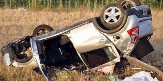 Una menor falleció en el despiste y vuelco de un auto