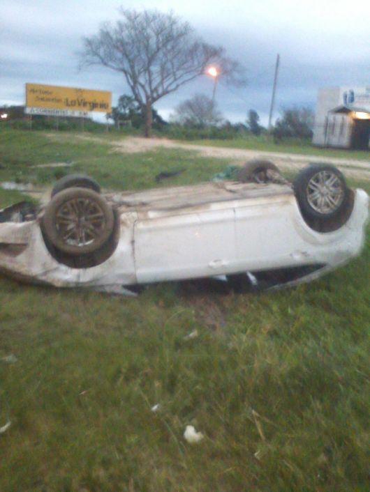 Otro muerto en siniestro vial: muere un hombre tras volcar su auto por Ruta 5