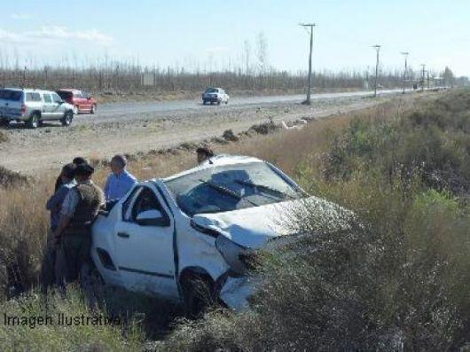 Un hombre murió al despistar su camioneta