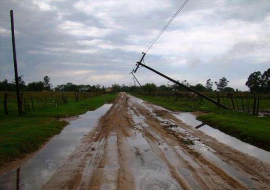 Tornado dañó 170 casas en Concepción, dejó sin luz a varias comunas y afectó tendaleros