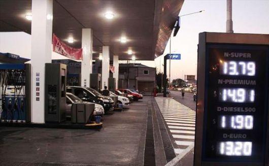 Combustibles: no niegan posibles subas pero descartan que a fin de año la nafta llegue a $20