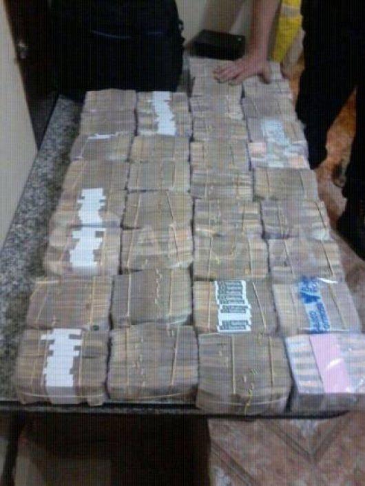 Más de 4 Millones de Pesos en una caja de Goya a Bs. As.