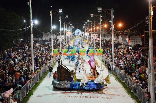 10 mil personas disfrutaron de la 3° Noche de Carnaval