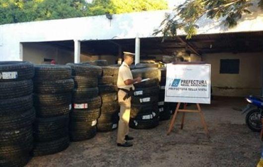 Dos detenidos y secuestro de un cargamento de neumáticos valuado en más de 230 mil pesos
