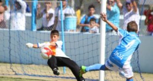 Sábado y domingo futbol Infanto-Juvenil en Bella Vista