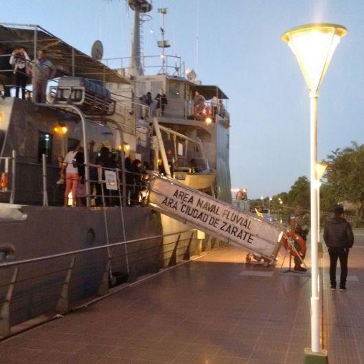 """Día de la Armada Argentina: el A.R.A """"Ciudad de Zárate"""" visita Bella Vista"""