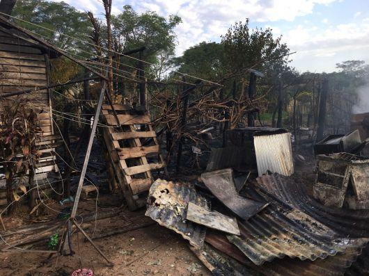 Feroz Incendio en el barrio Costa Esperanza