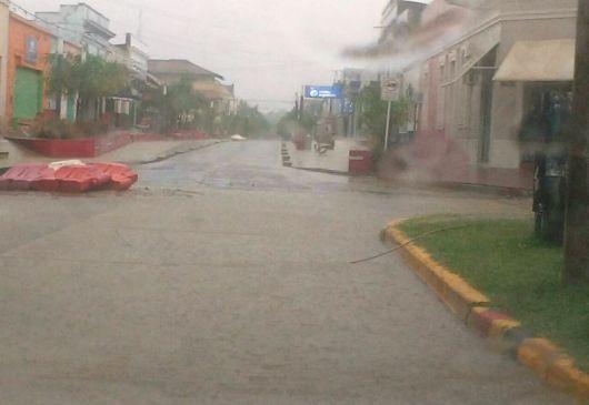 La tormenta también azotó Bella Vista