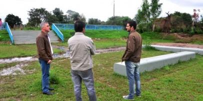 Chavez evaluó el rol de las obras de desagües en servicio