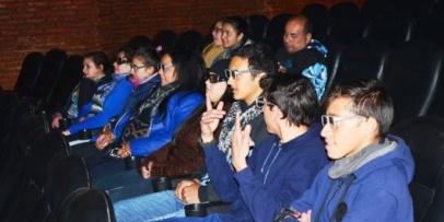 Alumnos de paraje Cebolla tuvieron su función especial de Cine 3D