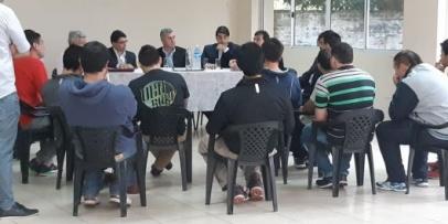 Funcionarios provinciales se reunieron con trabajadores textiles