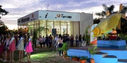 Bella Vista inauguró una segunda escultura íctica en su parque turístico