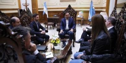 Valdés garantizó apoyo para que Alpargatas mejore su producción y amplíe su mercado