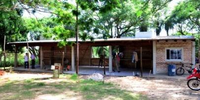 El municipio mejora instalaciones del parque Cruz de los Milagros